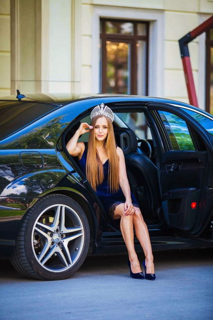 Ульяна победила в нескольких конкурсах («Леди Новосибирск», «Леди Сибири»), летала в Лас-Вегас на Mrs. Earth, попала в топ-10 мирового конкурса
